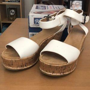 Skechers white wedges